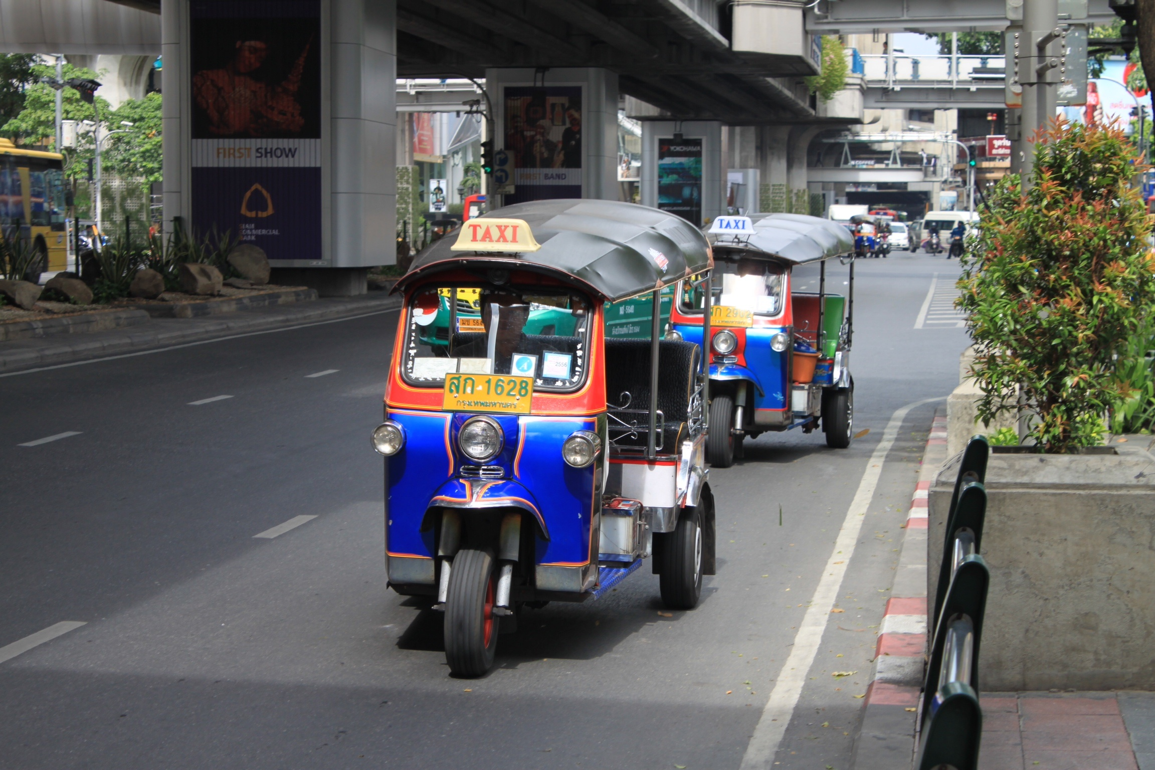 5 Tips For Riding A Tuk-Tuk In Bangkok - Backpackerinsight