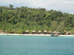 www.backpackerinsight.com_Sok_San_Bungalows_koh_Rong